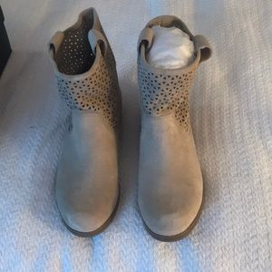 Sole Society Kaye Light Taupe Cow Suede Boots